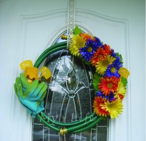 Gardeoning Wreath 2