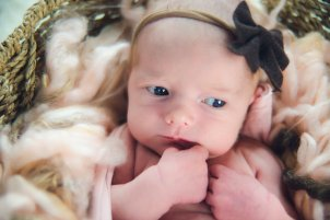 View More: http://momentsbymarie.pass.us/daphne-newborn